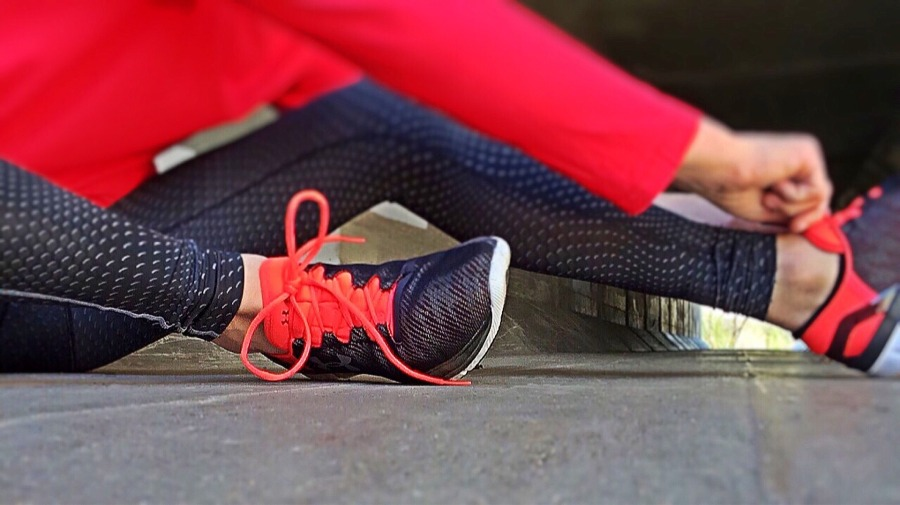 woman-tying-shoes